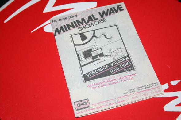 minimal wave flyer