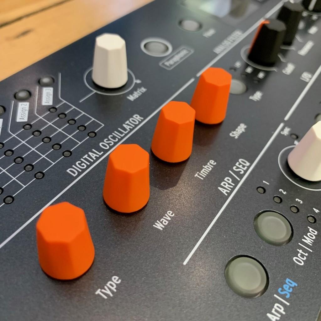 Arturia MicroFreak Juno review oscillator
