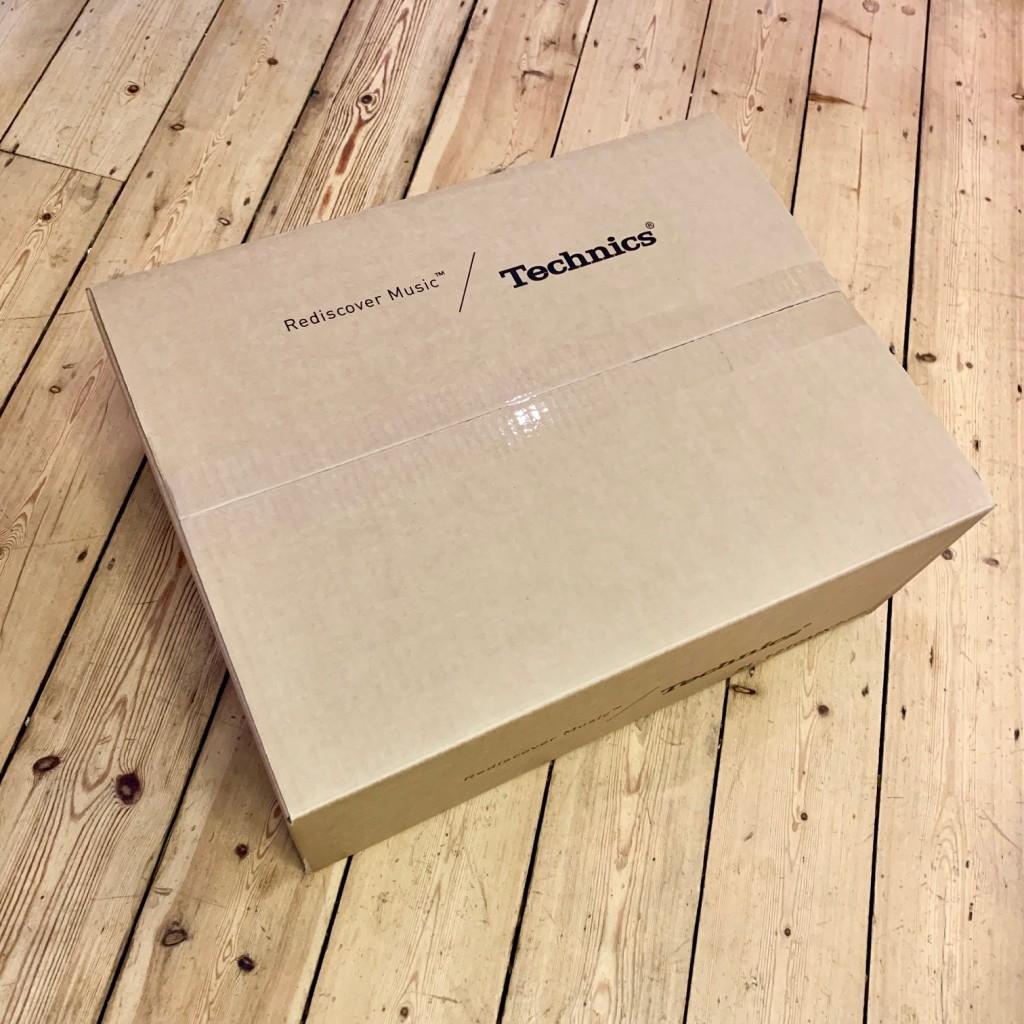 Technics SL-1210 MK7 box