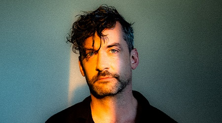 Bonobo announces new album 'Fragments', pencils in world tour